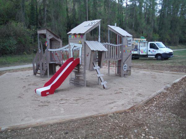 Structure KA HUTE KA12 3001 pour aire de jeux de plein air à usage collectif DIJON parc combe à la serpent scaled