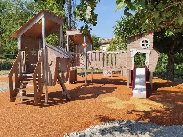 Structure extérieure de jeux mutliactivités KA 09 3001 école Rosa Parks PRIVAS scaled